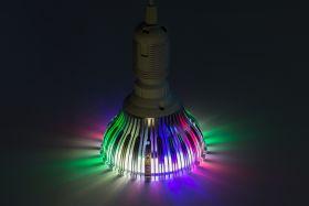 """Išmanioji lemputė """"FloraLED"""" pretenduoja tapti metų inovacija"""